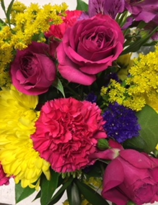 Deal of the Day Bouquet from In Full Bloom in Farmingdale, NY
